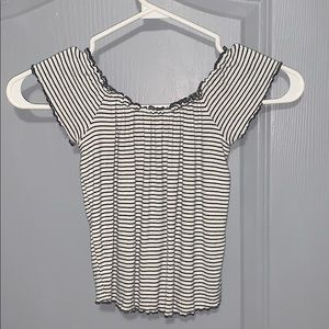 Cropped off the shoulder b&w stripped t-shirt